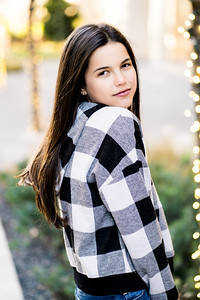 Addison-Poses-Downtown-Portraits-075