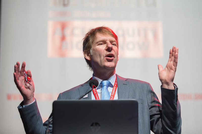 21st International AIDS Conference (AIDS 2016), Durban, South Africa. What is our goal? (WEPL03) TB and Co-Infections: The Long Game  Anton Pozniak, Chelsea and Westminster Hospital NHS Trust, United Kingdom, 20 July, 2016. Photo©International AIDS Society/Rogan Ward