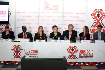 21st International AIDS Conference (AIDS 2016), Durban, South Africa. Wednesday 20 July : Venue DURBAN ICC - Press Conference Room 2 (In Media Centre) Official Press Conference : Scaling up HIV Treatment in the Developing World Panel from L-R :  Sharonann Lynch, James Hakim, Mhairi Maskew, Wafaa El-Sadr, Francois Dabis, Maya L Petersen, Anton Pozniak Photo©International AIDS Society/Abhi Indrarajan