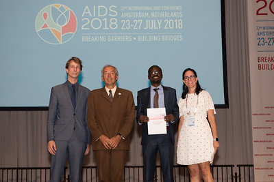 22nd International AIDS Conference (AIDS 2018) Amsterdam, Netherlands   Copyright: Marcus Rose/IAS  Photo shows: Lange/Van Tongeren Prizes (IAS/ANRS) for Young Investigators. Kalonde Malama