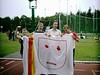 En ook de trainers op de foto met DE vlag.