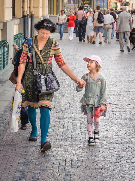 peter de mey - met mama op straat