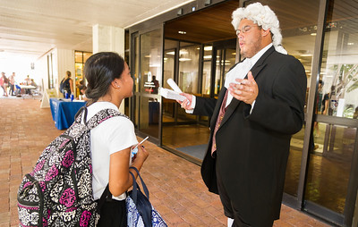 Benjamin Franklin (Victor Hinojosa) refreshes a student on her Constitutional history and gives a quick quiz to see how much she can recall about his (Ben Franklin's) life.