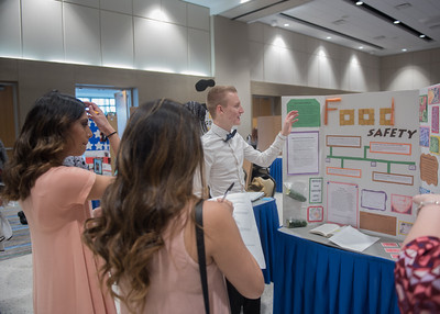 Student Deven Pierce gives a presentation over food safety during the First-Year Symposium in the University Center.   View more photos: http://smu.gs/2fPPigh
