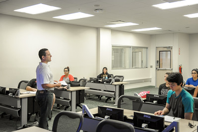 Dr. Melrose gives a lecture on Exercise Testing and Prescription during his class in Island Hall.