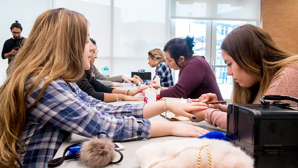 Students enjoy having new nail in the Treat Yourself event, which help student to relax in the time of final exam.