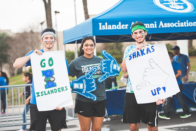 Islander students show their school spirit during Homecoming.