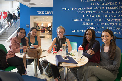 Islander students hanging out in between classes at the University Center.