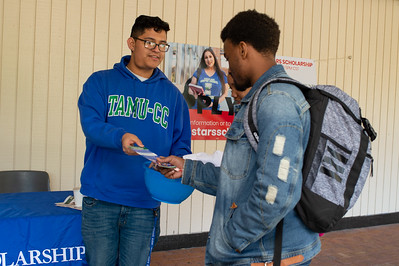 Manuel Aguilar of Scholarship Services informs students about upcoming deadlines.