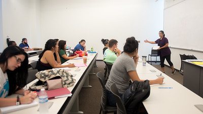 Associate Professor Dr. Isabel Araiza discusses writing prompts with her Mexican American Women class.