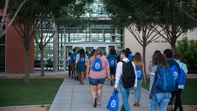 Future Islanders head to the Michael and Karen O'Connor Building for New Student Orientation sessions.  For more information on how to register for New Student Orientation, click here: http://bit.ly/2sz8nbl