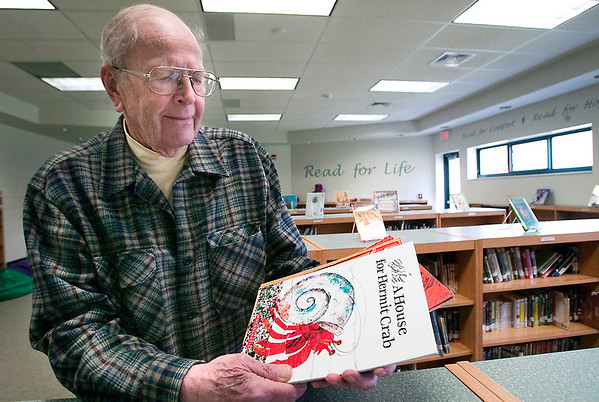 Record-Eagle/Douglas Tesner<br /> Dave Eldredge is a member of the Kiwanis Club of Crystal Lake and a coordinator of the Benzie County Reading is Fundamental program. The club each year purchases books and distributes them to first-graders in the county in fall, winter and spring.