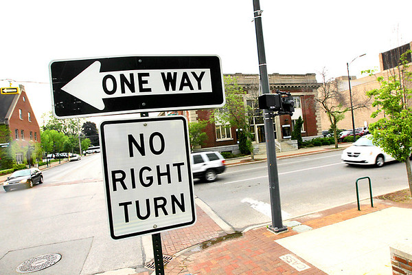 Record-Eagle/Keith King<br /> One-way traffic travels eastward along State Street in Traverse City.