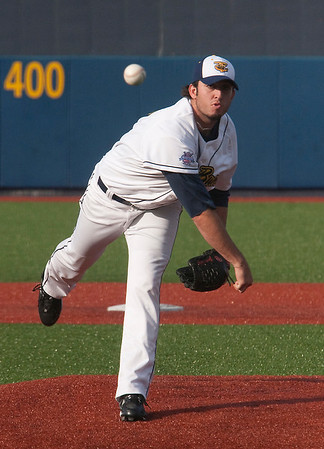 Record-Eagle/Douglas Tesner<br /> Jason Kiley allowed two runs in seven innings of work for the Beach Bums.