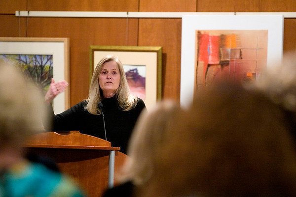 Record-Eagle/Jan-Michael Stump<br /> Law professor Brenda Jones Quick discusses First Amendment cases during a forum on students' rights hosted by the Northwest Branch of the American Civil Liberties Union of Michigan Thursday at the Traverse Area District Library.