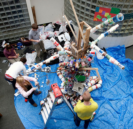 Record-Eagle/Douglas Tesner<br /> NMC students work on a sculpture made out of recyclable materials found on campus.