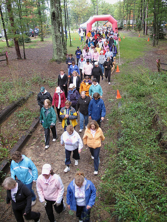 Record-Eagle/Sheri McWhirter<br /> Hundreds of people participated in the 2009 Remembrance Run at Timber Ridge Resort.