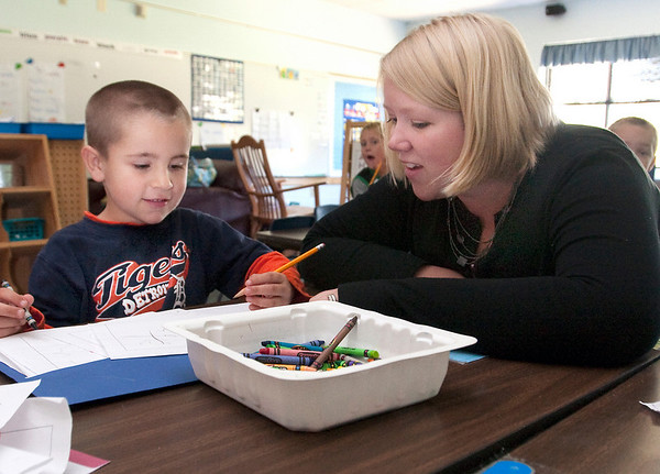 Record-Eagle/Douglas Tesner<br /> Sara Sholten works with Trenton Williams in a kindergarten class at Blair Elementary School.