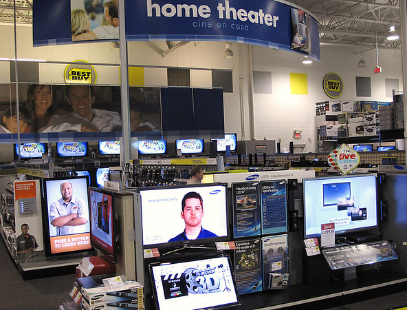 Record-Eagle/Mark Urban<br /> A selection of televisions at the Traverse City Best Buy.