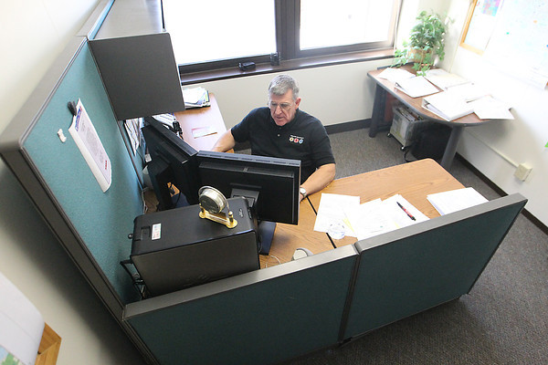 Record-Eagle/Jan-Michael Stump<br /> Steve Hanna lost about 100 pounds he says he gained from his desk job at Grand Traverse County Central Dispatch.
