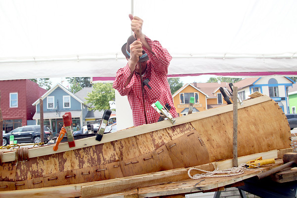 BIRCH BARK CANOE BUILDER