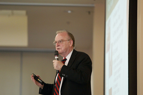 Record-Eagle/Keith King<br /> Peter Garforth, with Garforth International, delivers the keynote address Thursday the energy efficiency leadership summit at the Hagerty Center.