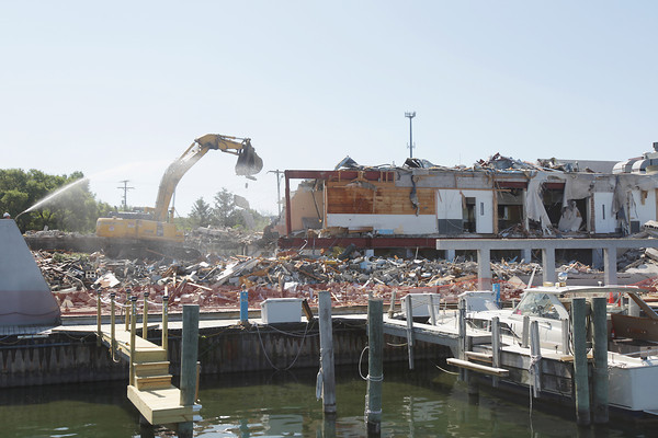Record-Eagle/Keith King<br /> Demolition takes place Wednesday, June 19, 2013 ,at was formerly a Mountain Jack's Steakhouse restaurant, as part of the Acme Township shoreline project along East Grand Traverse Bay.