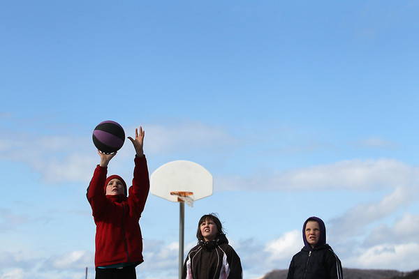 CHILLY BASKETBALL
