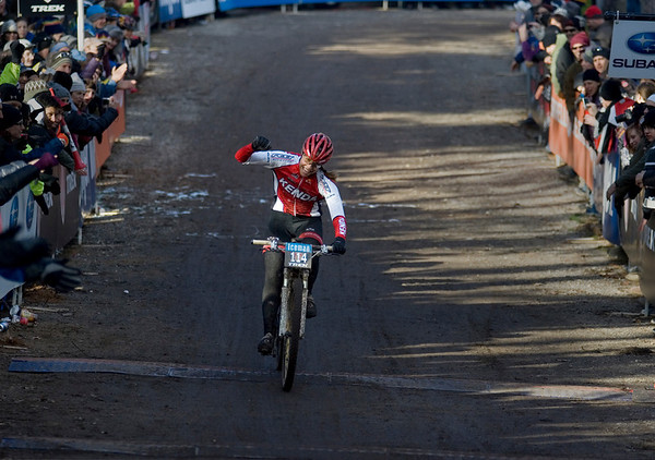 Record-Eagle/Keith King<br /> Amanda Carey, of Victor, Idaho, celebrates after winning the pro women's division.
