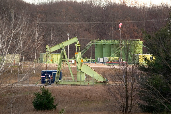 Record-Eagle/Jan-Michael Stump<br /> Merit Energy oil and gas production facility near the intersection of County Road 633 and Bartlett Road in Mayfield Township.