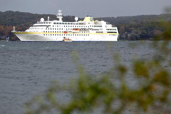 Spec Cruise Ship