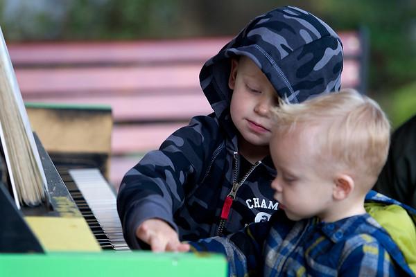 Spec Street Piano Kids
