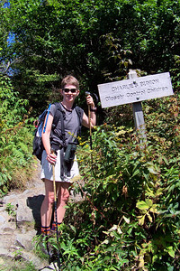 On the way back to the trailhead, we stop to photograph the warning sign...the trail going out to Charlie's Bunion is fairly treacherous.