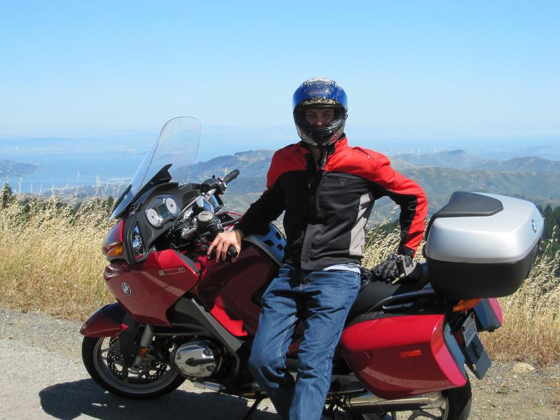 Mitch hiding SF behind me.  Along E. Ridgecrest Blvd on Mount Tamalpais.
