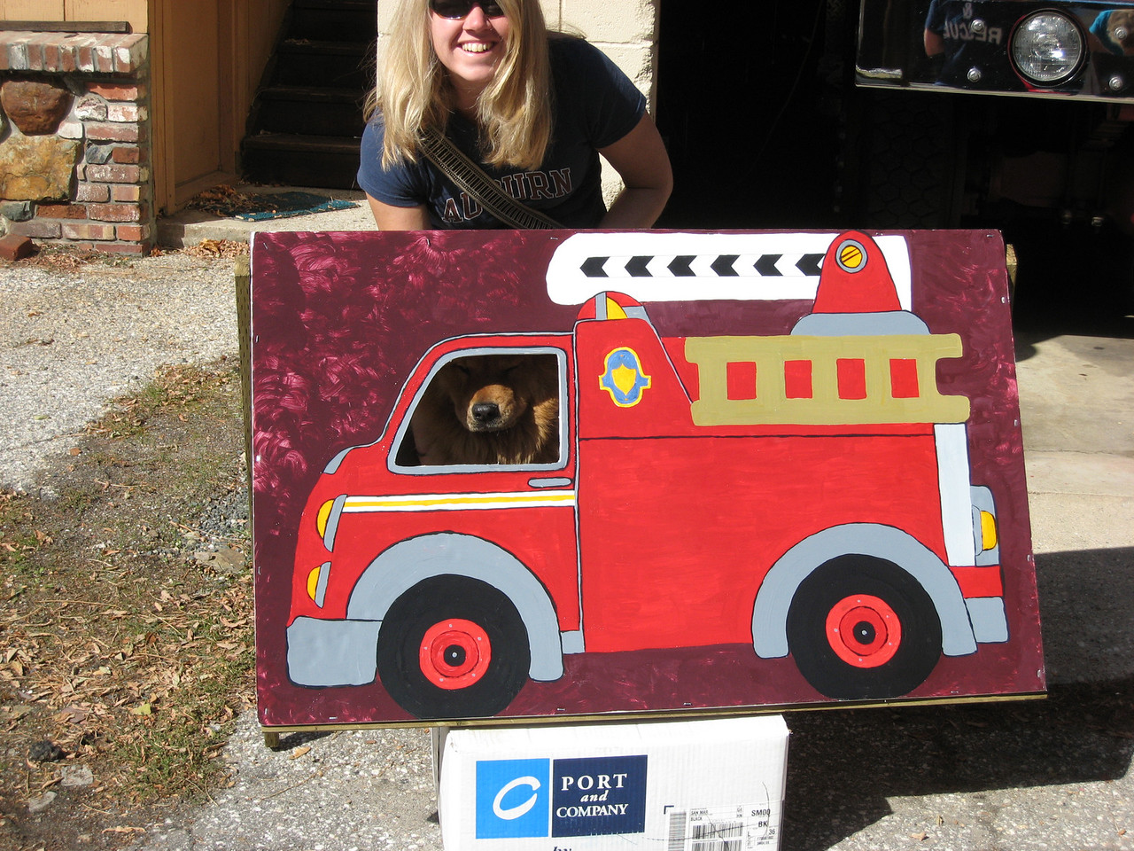 Mingie and Fire Truck!  Like the Mike Doughty song... does anyone know what I'm talking about?