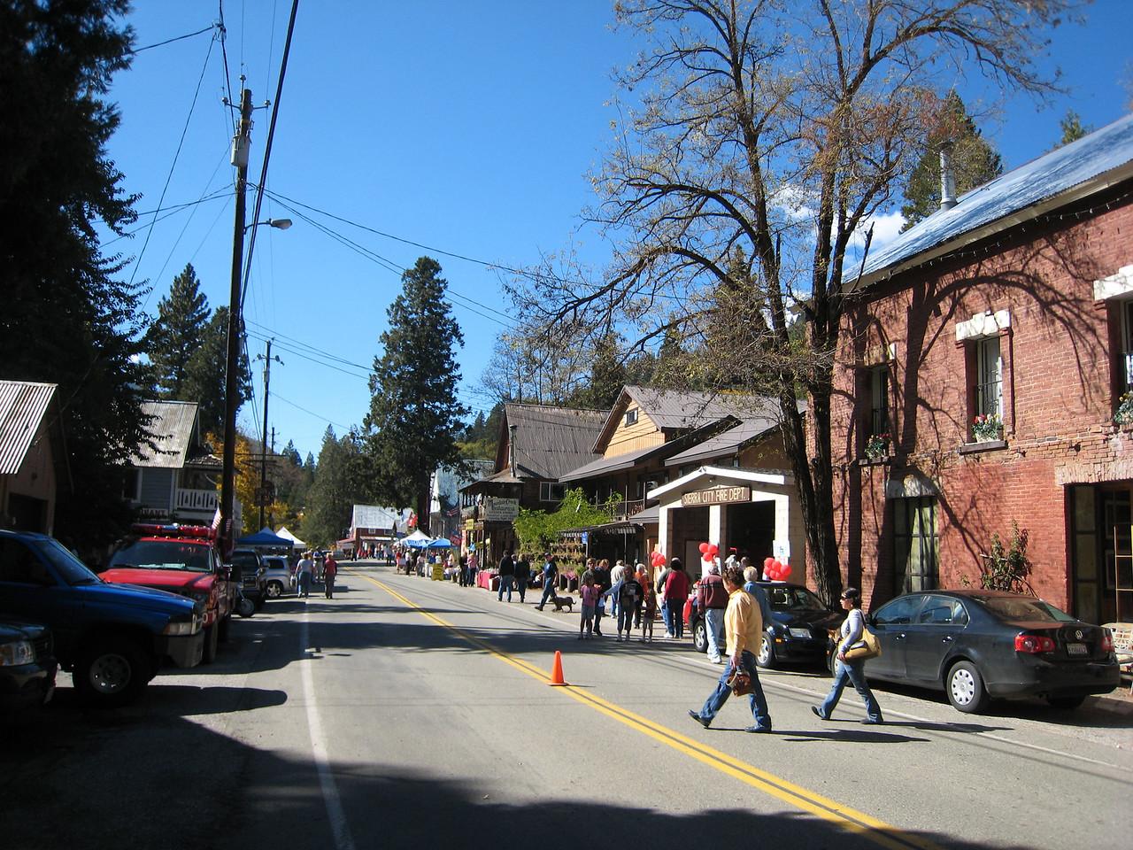 Sierra City Oktoberfest!  This place is hoppin'
