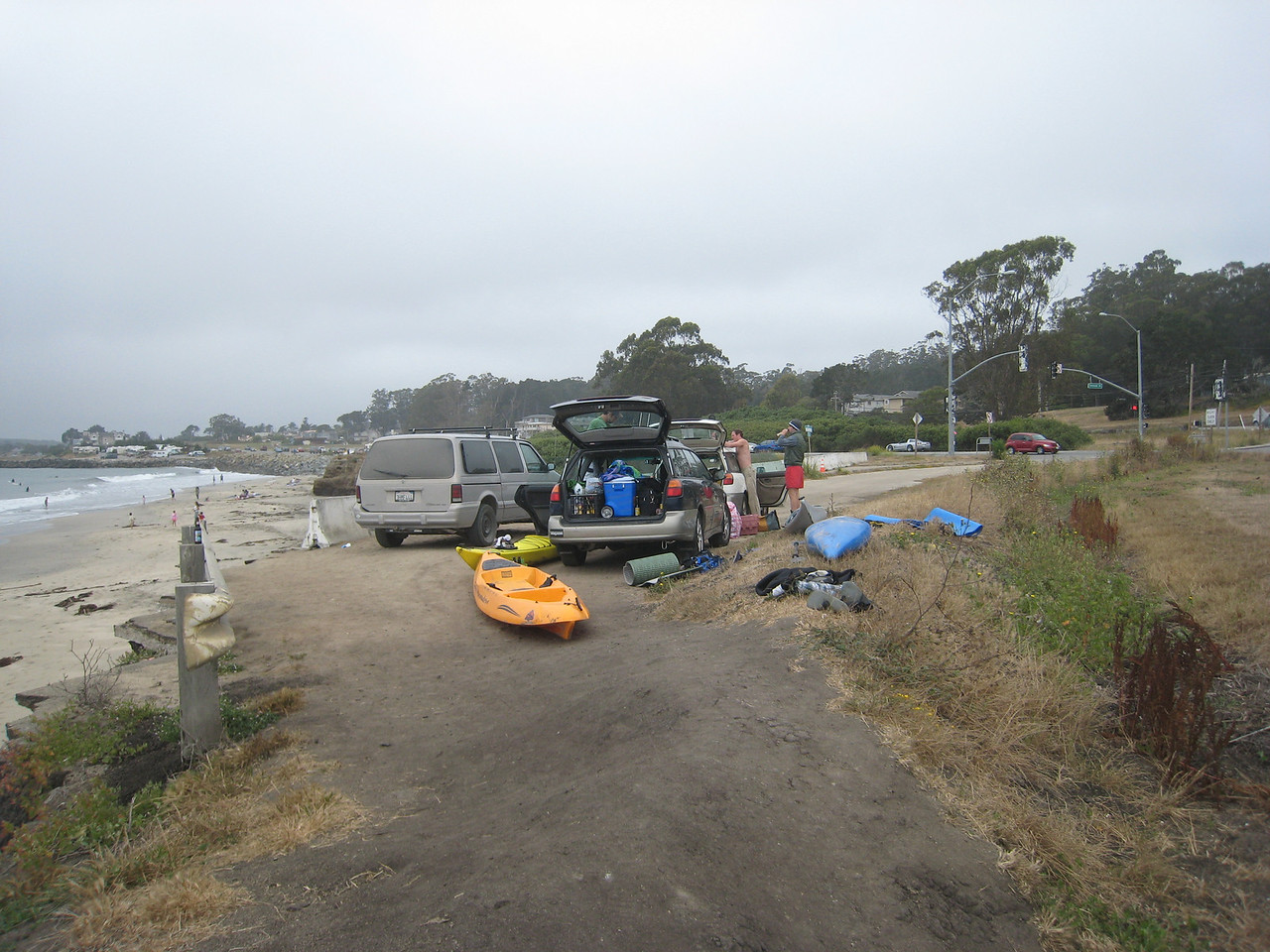 After having a great time kayak surfing, we packed up around 1, as Funk was due at a BBQ, and I was due at a wedding.