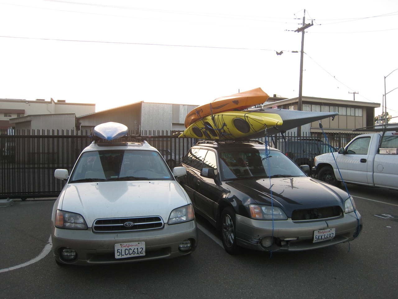 CCK totally screwed us over, but Sunrise in Livermore came to the rescue (and Moses).  <br /> <br /> Check out Funk's car with 3 yaks on top...