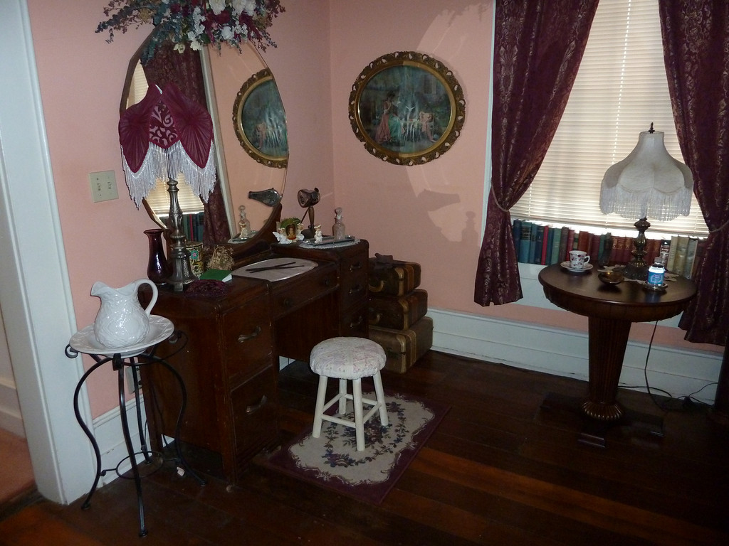 Hall Place Bed & Breakfast, Theodosia Room
