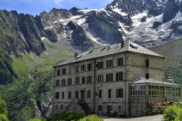Old hotel among the mountains
