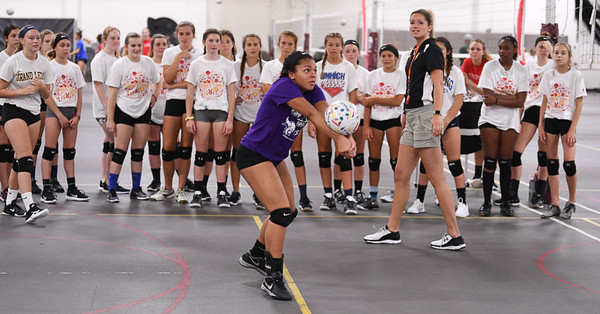 17_volleyball_camp-4239