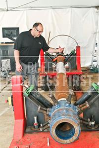 Pipe fatigue tester, EWI Columbus Ohio. 6/14