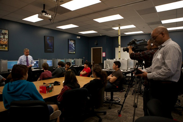 Students at SBISD's Guthrie Center were inspired by a visit from local broadcast professional Bill Balleza from Channel 2 Houston. Thank you to Mr. Balleza and all our outstanding community leaders for their continued support and inspiration.