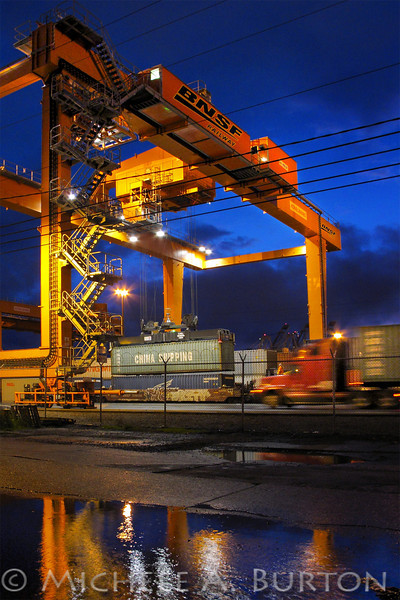 BNSF gantry crane moving containers