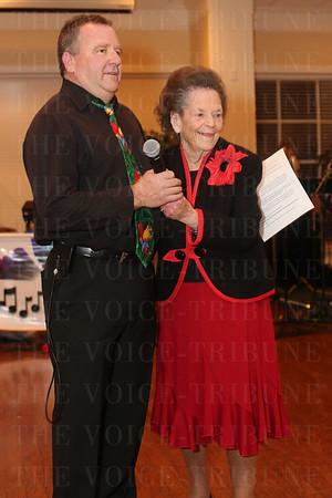Emcee Jeff Walter and honoree Barbara Cox.