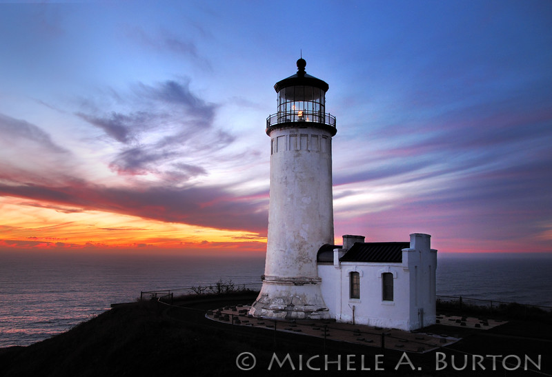 Sunset on the Pacific Ocean at North Head Lighthouse in Cape Disappointment State Park