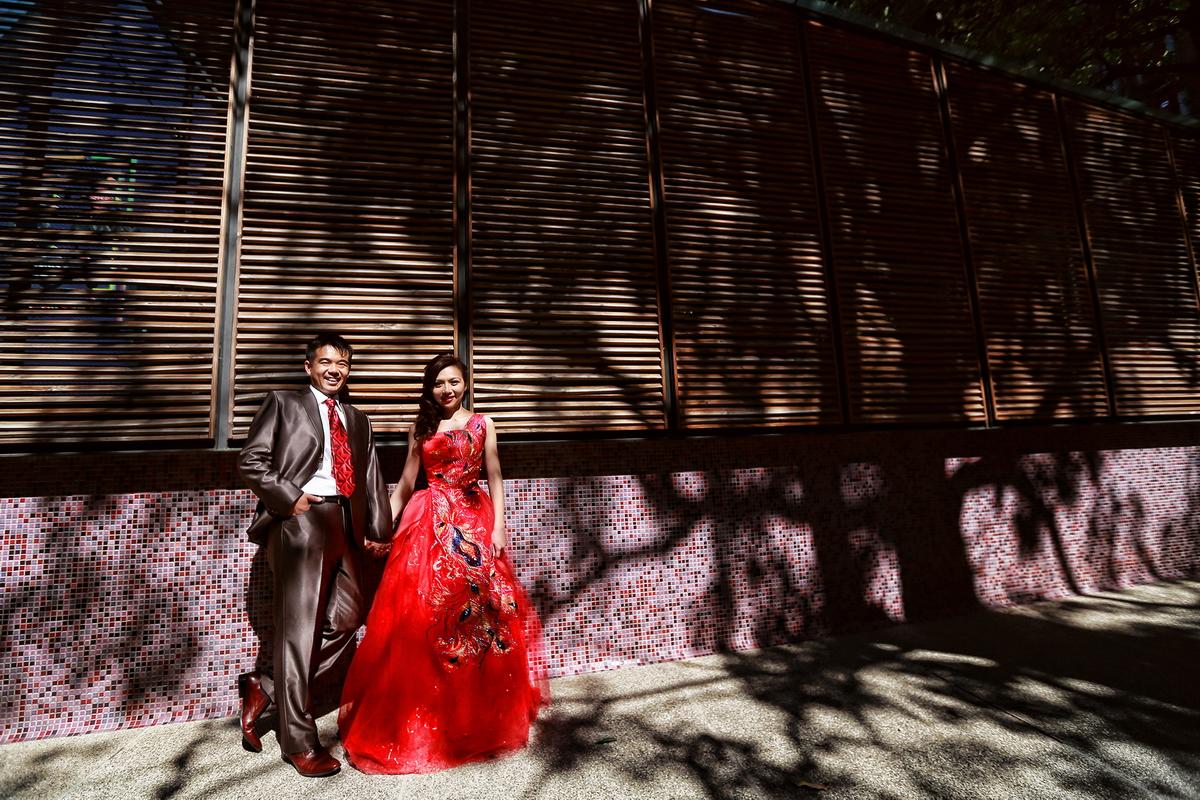 台中,推薦,自主婚紗,婚紗包套,愛情蔓延,禮服包套,孝威,台中國家音樂廳,台中都會公園,彰化西濱工業區,線西
