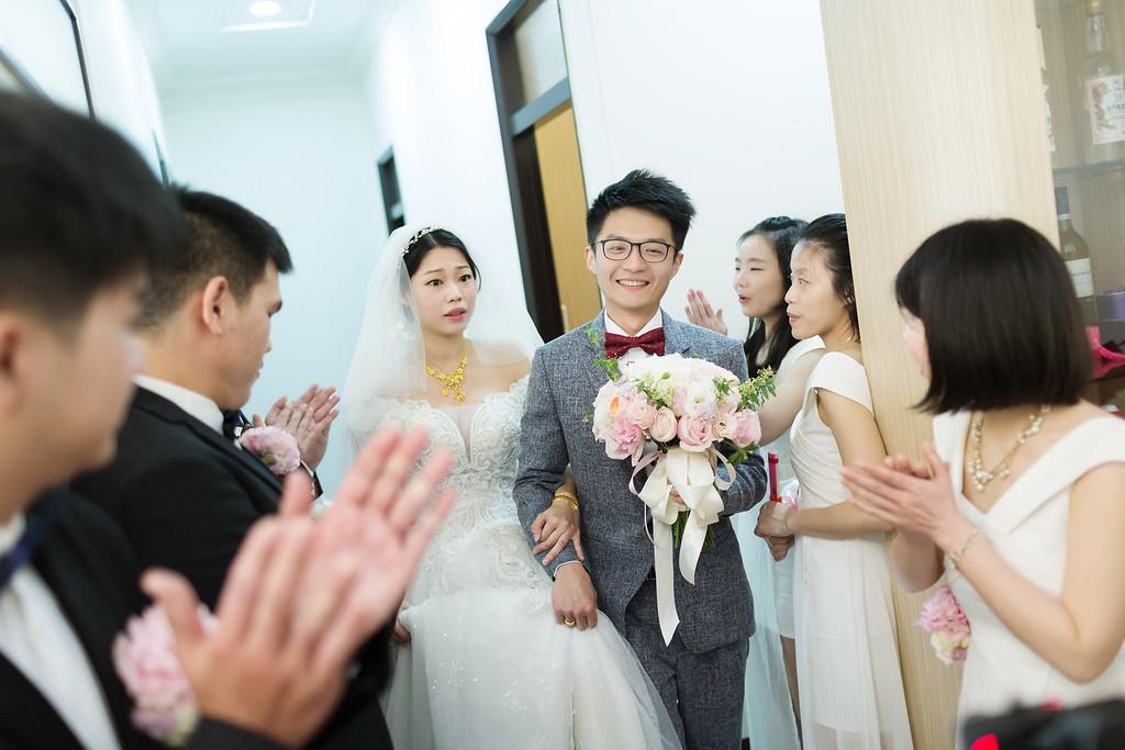 《彰化婚攝》早儀式午宴客 / 新高乙鮮婚宴會館迎娶類婚紗