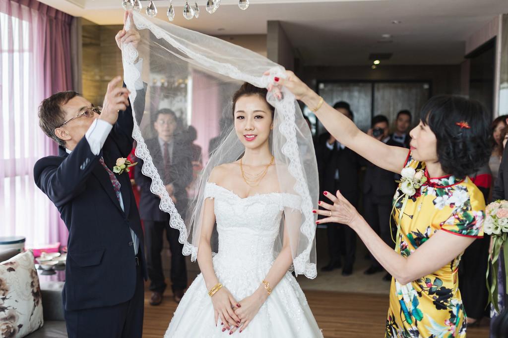 《雲林婚攝》面對幸福的含蓄笑容 / 三好國際酒店