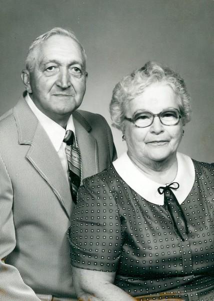 John Gilette Pontius, Mildred Pontius